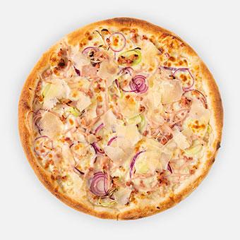 Carbo pizza (32 cm) - besamel alap, fokhagyma, lilahagyma, póréhagyma, sonka, császárszalonna, sajt, parmezánforgács - www.pizzarello.hu
