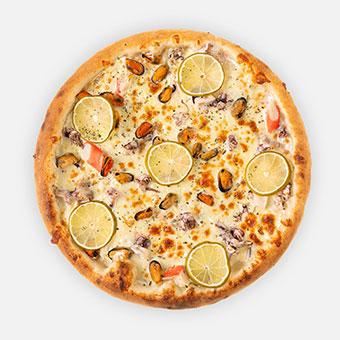 Jack Sparrow pizza (32 cm) - fokhagymás besamel, tengerigyümölcs-mix, lime citrom, sajt - www.pizzarello.hu