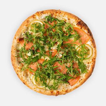 Lazacos rukkolás pizza (32 cm) - sajtkrém alap, füstölt lazac, sajt, rukkola, citrom - www.pizzarello.hu