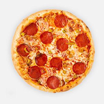 Pepperonis pizza (32 cm) - paradicsom alap, sonka, paprikás vastagkolbász, pepperoni paprika, sajt - www.pizzarello.hu