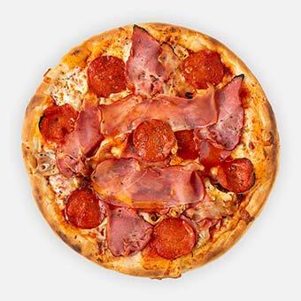 5Hús Között pizza (32 cm) - paradicsom alap, paprikás vastagkolbász, tarja, bacon, sajt, serrano, csirkemell - www.pizzarello.hu